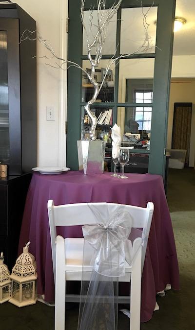 reception-table-colors-lavendar-tablecloth